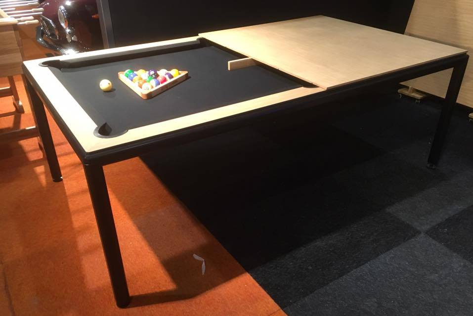 Ultra Convertible Table, Belgium